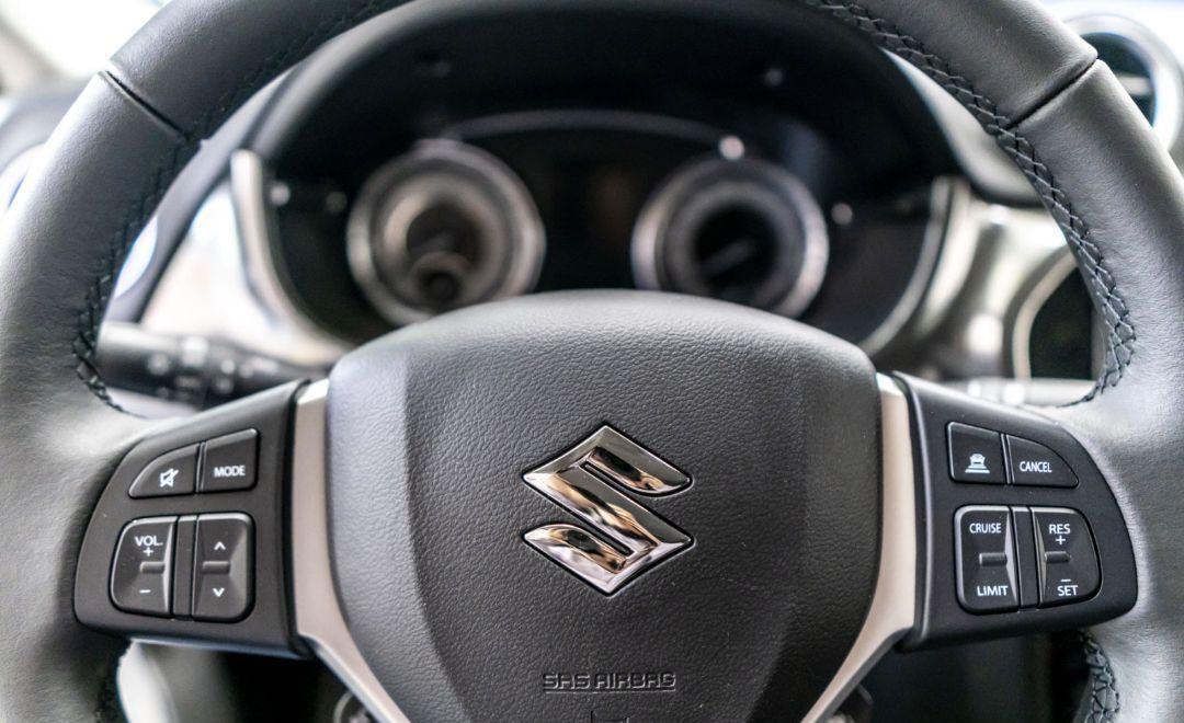 : Suzuki VITARA LUXUS