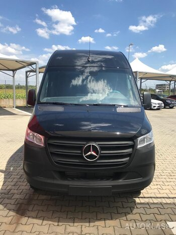 MERCEDES-BENZ SPRINTER 519 KA : Mercedes-Benz SPRINTER