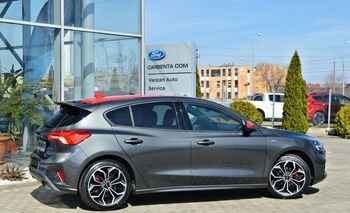 Ford Focus ST-Line / 5 usi / 1.5 Ecoboost 182 CP / M6 : Ford Focus
