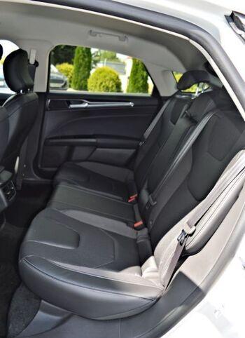 Ford Mondeo Titanium 5 usi : Ford Mondeo