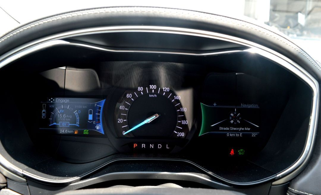 Ford Mondeo Vignale Hybrid : Ford Mondeo