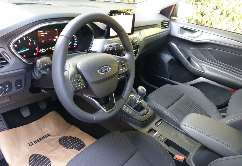 : Ford Focus  Titanium Business