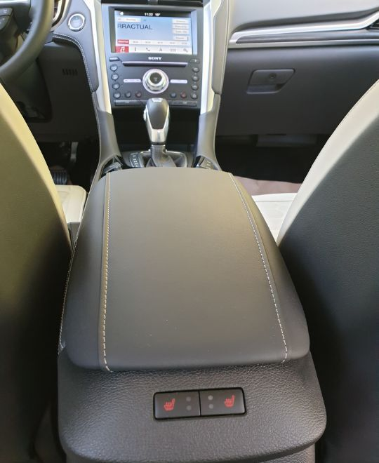 Ford Mondeo Vignale Hybrid Sedan : Ford Mondeo