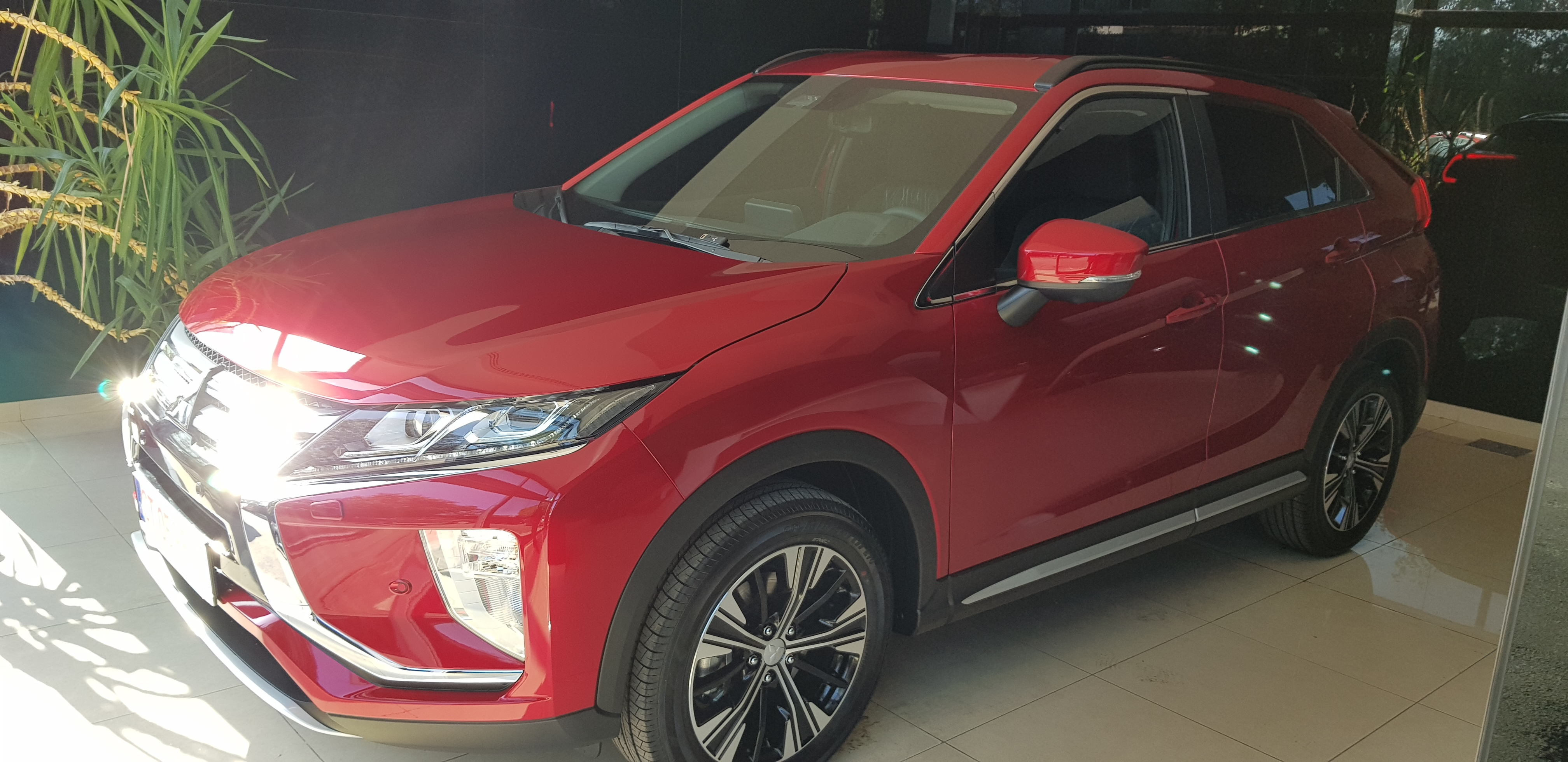 Oferta Eclipse Cross : Mitsubishi ECLIPSE CROSS INVITE+