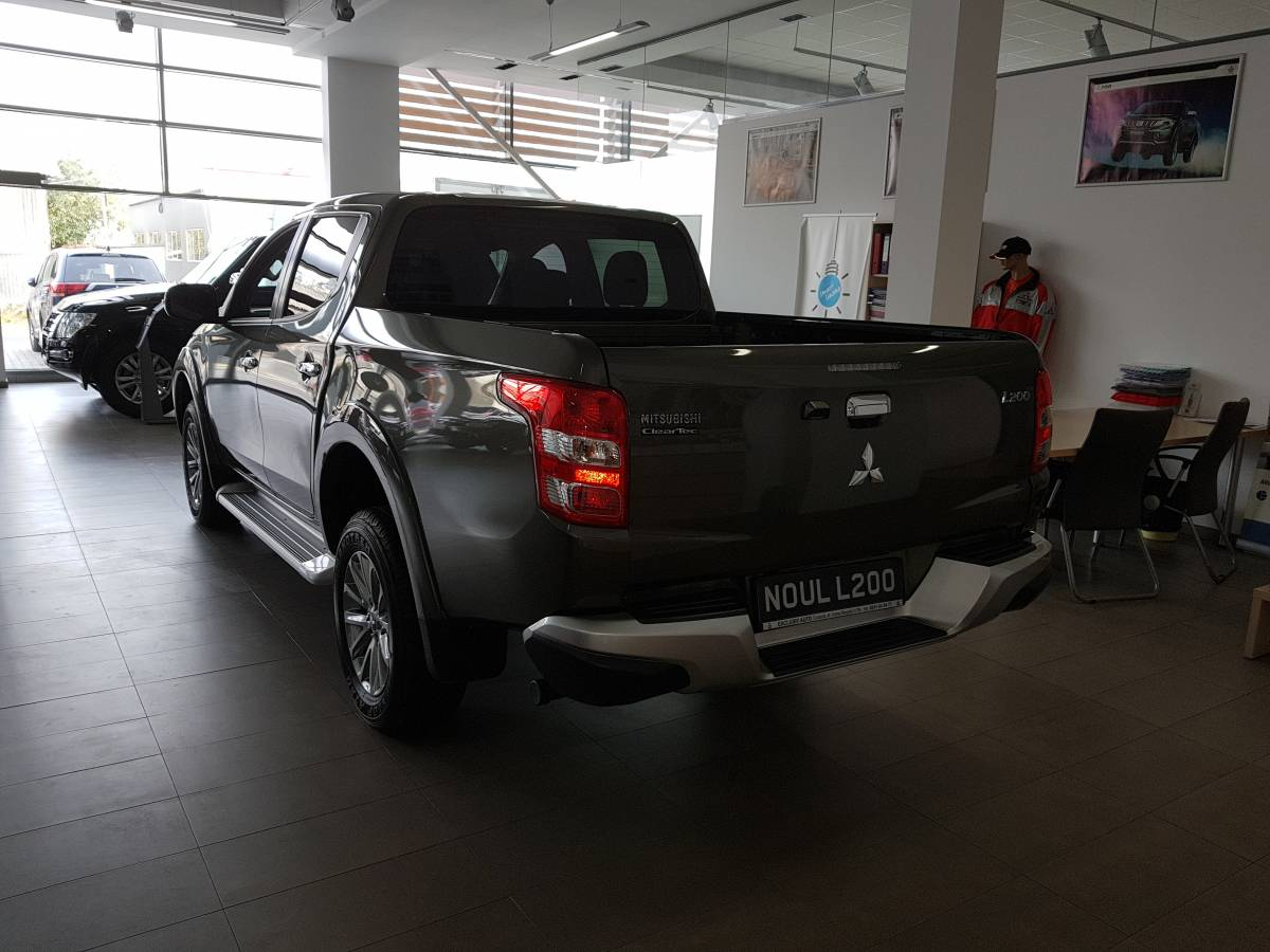 MY19 L200 Double Cab 2,4 DI-D Intense A/T High Power S01 : Mitsubishi L200 DOUBLE CAB