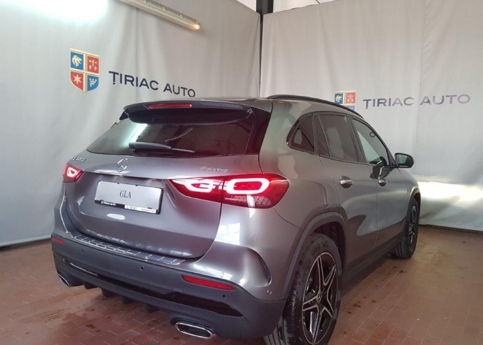 MERCEDES-BENZ GLA GLA 220 d 4MATIC  : Mercedes-Benz GLA