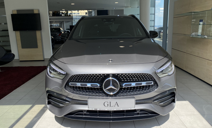 MERCEDES-BENZ GLA 250 4MATIC : Mercedes-Benz GLA